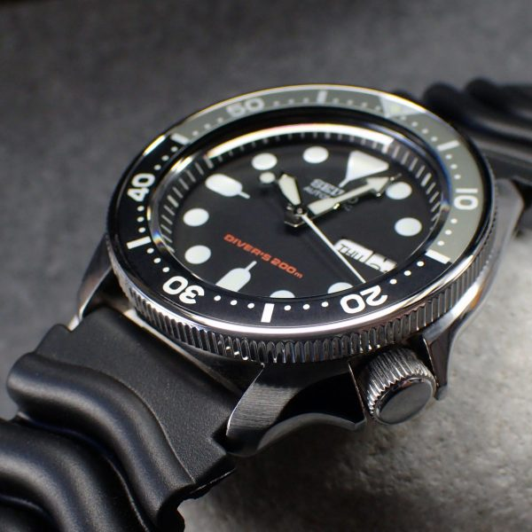 Seiko Men's Automatic Analogue Watch with Rubber Strap SKX007K